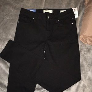 Black low rise Bullhead skinny jeans